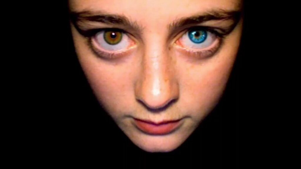 Two Different Colored Eyes Spiritual Meaning