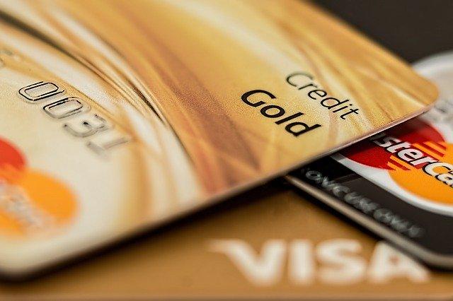 cuanto-cuesta-retirar-dinero-de-una-tarjeta-de-credito-9740001