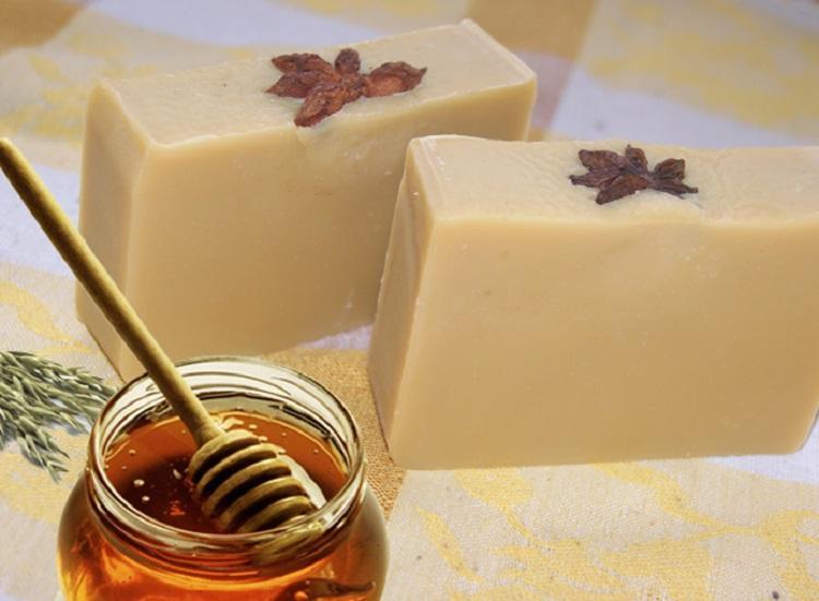 Jabón-de-avena-y-miel